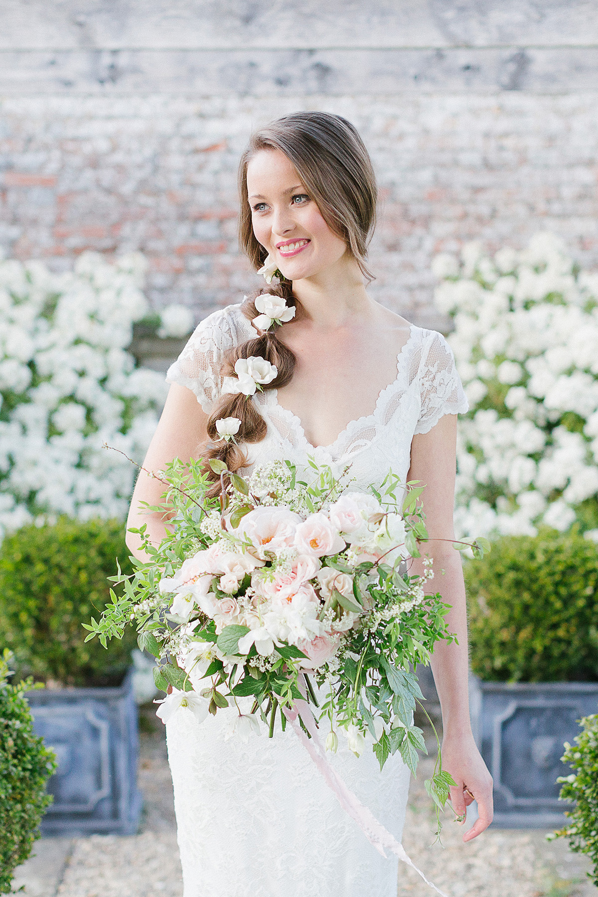 Ideas and Inspiration for an Elegant English Country Garden Wedding (Styled Shoots Supplier Spotlight )