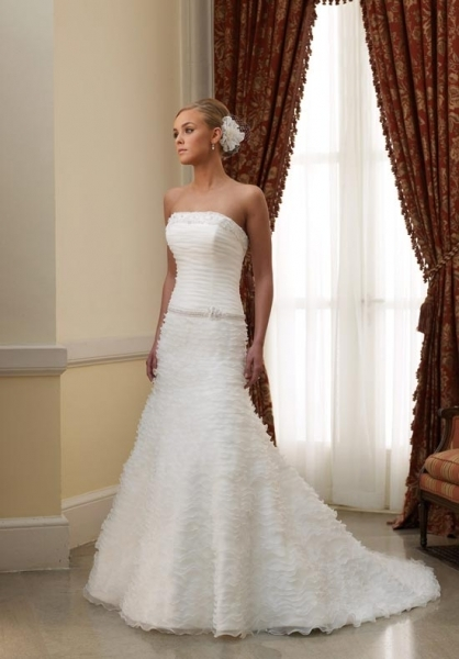 Petite Wedding Dresses For Your Small Body Size