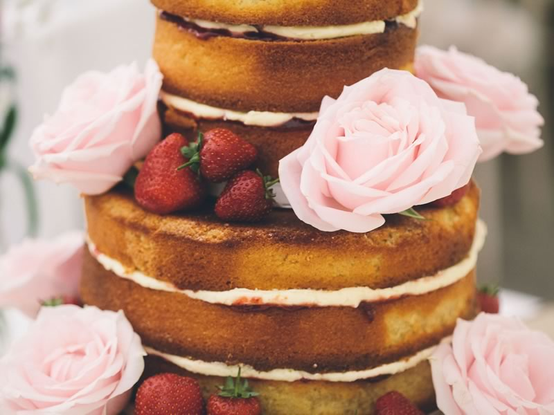 VARIOUS KINDS OF WEDDING CAKE FOR YOU